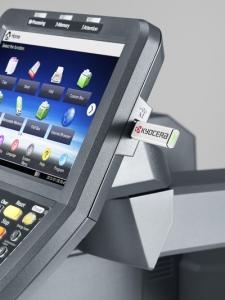 Impresora Kyocera laser color TASKalfa 6551ci Tecnycopia Foto detalle pantalla USB